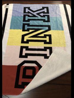 Pink Sherpa blanket 60in-72in for Sale in Perris,  CA