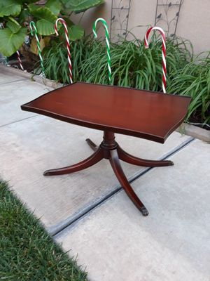 """VINTAGE """"IMPERIAL FURNITURE"""" DUNCAN PHYFE COFFEE / TEA TABLE W / GLASS (CIRCA 20'S/30'S) for Sale in Corona, CA"""