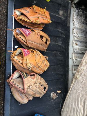 """Baseball gloves 10""""-11"""" $20 for all 4 or $5/each for Sale in Franklin, TN"""