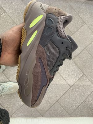 f7fbed79d Yeezy 500 moon yellow size 13 and 14 for Sale in Bronx
