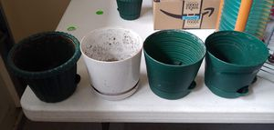 4 medium flower pots for smaller plants for Sale in Palatine, IL