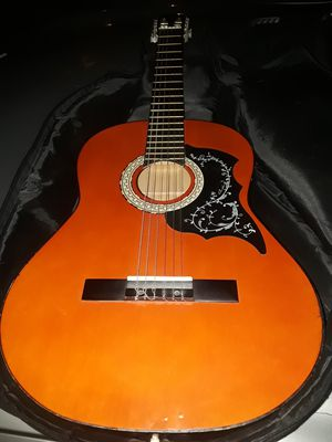 Great guitar electric accoustic . W/case for Sale in San Diego, CA