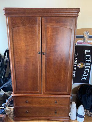Cherry Wood 3 Piece Bedroom Set for Sale in NJ, US