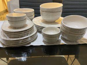 Dinnerware set for Sale in Los Angeles, CA