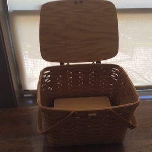 Longaberger large picnic basket for Sale in Ridgefield, WA