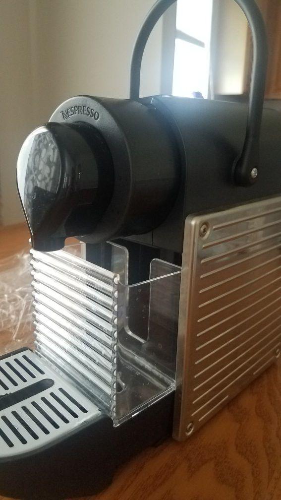 Nespresso coffee machine. Single.