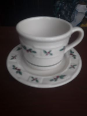 Longaberger 4pc. Holiday Tea set cups and saucers for Sale in Loganville, GA