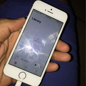 Fully Unlocked 16gb iPhone 5 for Sale in Riverside, CA