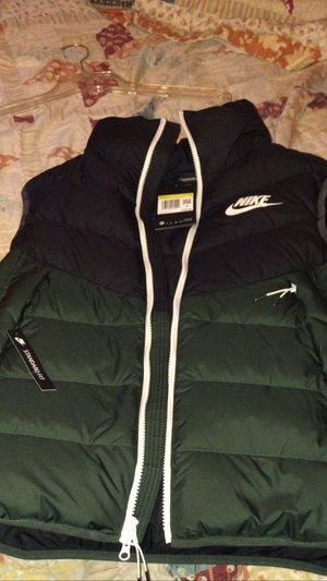 Nike jacket for Sale in Edison, NJ