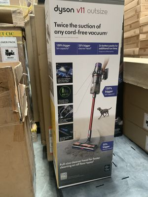 Dyson V11 outsize vacuum red for Sale in Ontario, CA