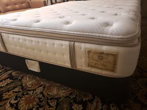 Queen Pillowtop High Quality Bed Stearns & Foster with bed frame for Sale in Lynnwood, WA