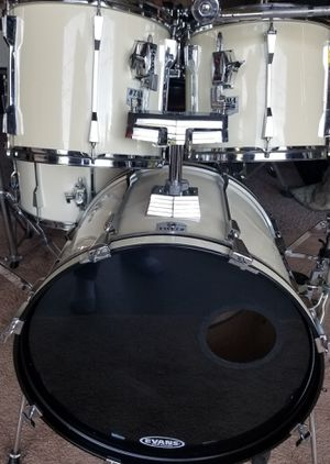 TAMA ROCKSTAR 5 PIECE DRUM SET for Sale in Knoxville, TN