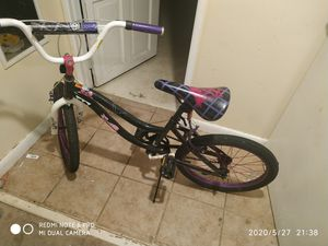 Girls Monster High Bike for Sale in Pittsburgh, PA