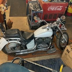 06 Yamaha VStar 650 Trades Welcome Trade for Sale in Eagle Creek,  OR