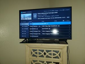 42inches smart tv for Sale in Colorado Springs, CO