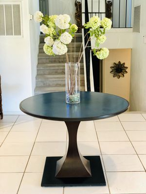 Sea Blue Elegant Round Table for Sale in Las Vegas, NV