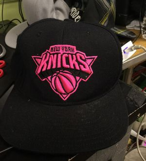 New York Knicks black and pink hat for Sale in Matawan, NJ