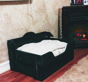 Pallet Pet Bed - medium for Sale in Fresno, CA