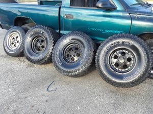 Jeep wheels for Sale in Lindenwold, NJ