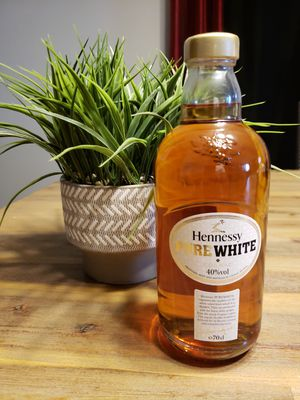 PURE WHITE HENNESSY for Sale in Randallstown, MD