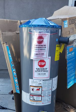 New open box with installation included Rheem 40 GALLONS Residential gas water heater for Sale in Phelan, CA