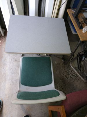 Single table and chair combo/student desk for Sale in Pensacola, FL