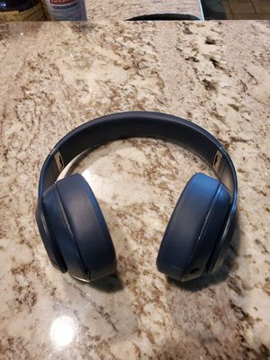 Beats studio 3- navy for Sale in CORP CHRISTI, TX