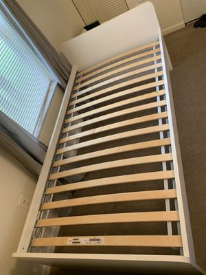 Bed frame Twin for Sale in Brandon, FL