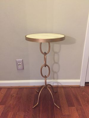 MOVING - chain link side table with marble top for Sale in Baltimore, MD
