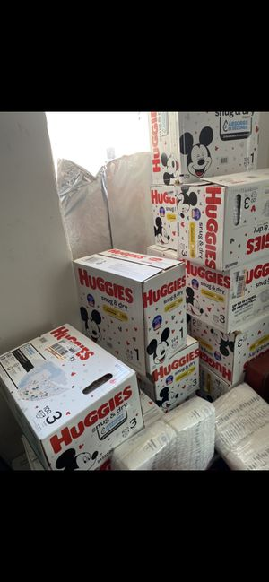 Huggies snug and dry diapers little snugglers size 1, 3 and 5 for Sale in Phoenix, AZ