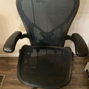 Herman Miller Office Chair Size C for Sale in Apache Junction, AZ