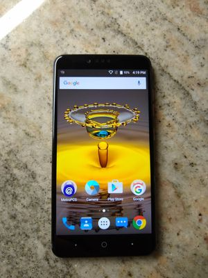 ZTE ZMAX PRO 32GB UNLOCKED for Sale in Boca Raton, FL