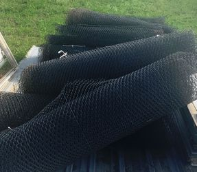 150' Coated chicken wire for Sale in Axtell,  TX