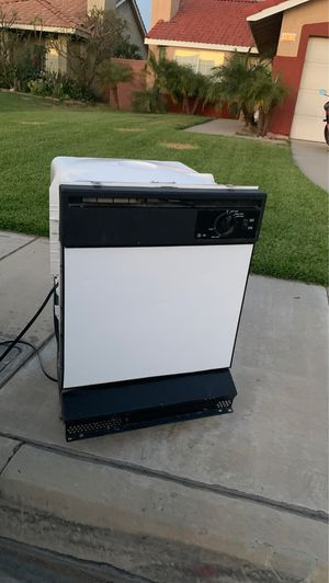 Dishwasher for Sale in Fontana, CA