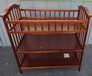 ONLY $$$50$$$ DELTA CHILDREN WOOD CHANGING TABLE, GOOD CONDITION, SCRATCHE AND DETAILS FOR USE $$$50$$$ for Sale in Los Angeles, CA