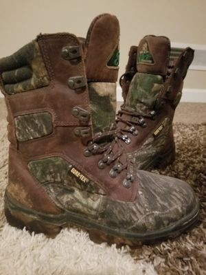 Womens Rocky Gore-Tex 800 gram Thinsulate Insulation Boots Size 8 for Sale in Columbus, OH