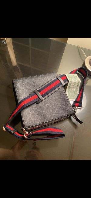 Gucci GG supreme messenger bag Large for Sale in Springfield, VA