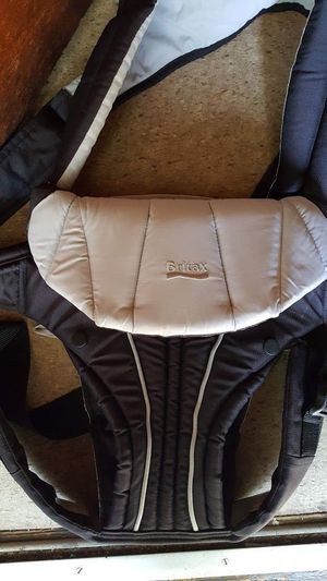 Baby carrier (Britax) for Sale in Malden, MA