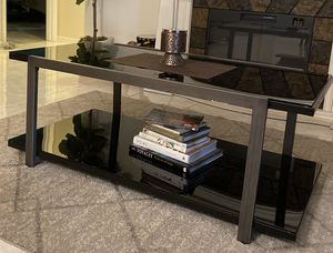 Coffee table set for Sale in Melbourne Village, FL