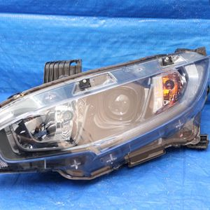 2016 to 2018 Honda civic left original headlight shipping nationwide for Sale in Hollywood, FL