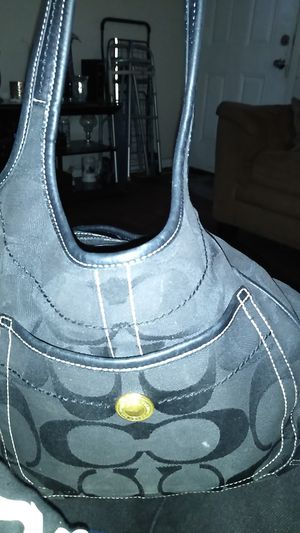Coach purse. 10766 real for Sale in Fort Worth, TX