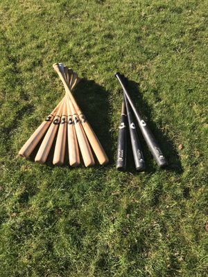 1 black 33' birch and 4 32' ash and 2 33'ash. 1/30 4/110 all 7/125. Wood baseball bats in good shape. for Sale in Portland, OR