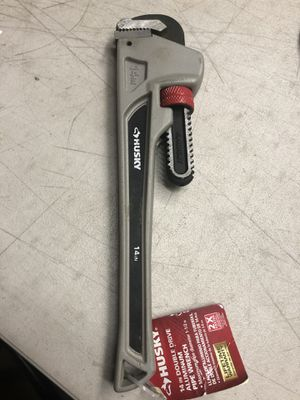 🇺🇸💥 Husky 14 in. Aluminum Pipe Wrench for Sale in Los Angeles, CA