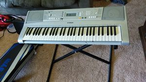 Yamaha keyboard with stand!!! for Sale in Johnson City, TN