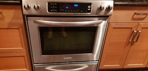 Kitchen aid gas stove (Range) for Sale in Houston, TX