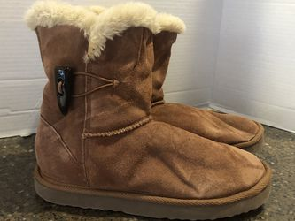 Style & Co. Women's Brown Ugg Like Boots Size 8 for Sale in Manassas,  VA