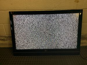 """LG 42"""" Flatscreen 720p HDTV with wall mount for Sale in Fallston, MD"""