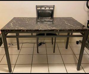 Table for Sale in Santa Ana, CA