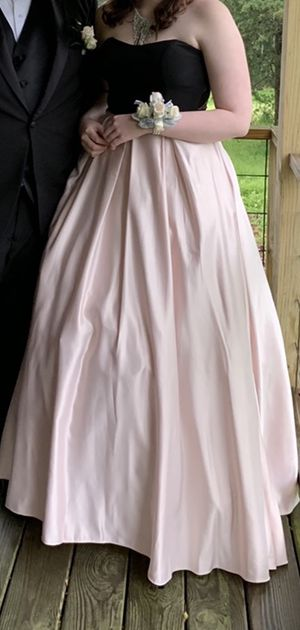 Prom Dress for Sale in Mount Vernon, AR