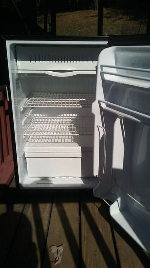 Mini fridge for Sale in Flatwoods, WV